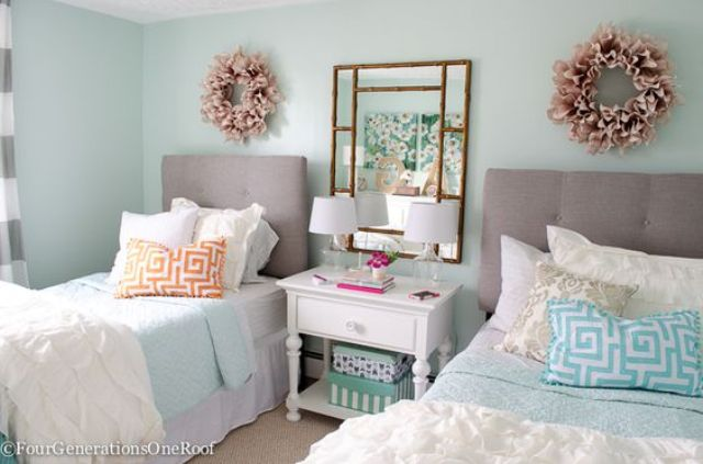chic-and-inviting-shared-teen-girl-rooms-ideas-16
