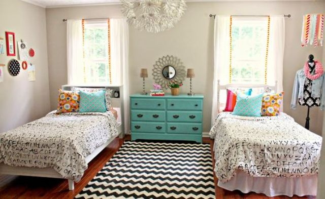 chic-and-inviting-shared-teen-girl-rooms-ideas-8