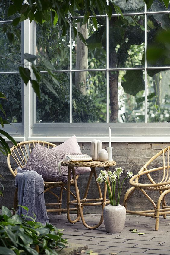 cool-rattan-furniture-pieces-for-indoors-and-outdoors-32