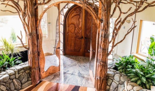 organic-fairy-tale-house-that-seems-breathing-with-magic-2