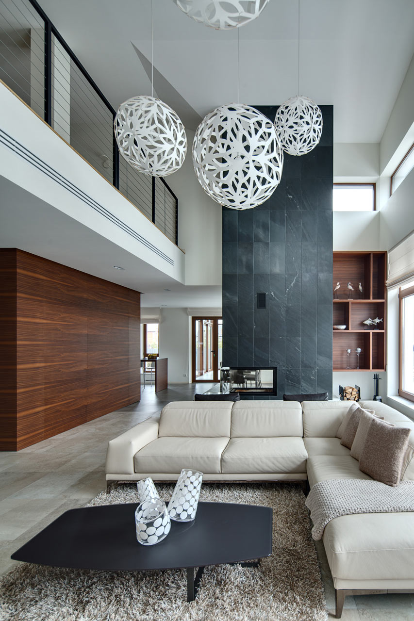 spacious-modern-home-with-a-natural-feel-1