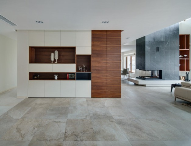 spacious-modern-home-with-a-natural-feel-4