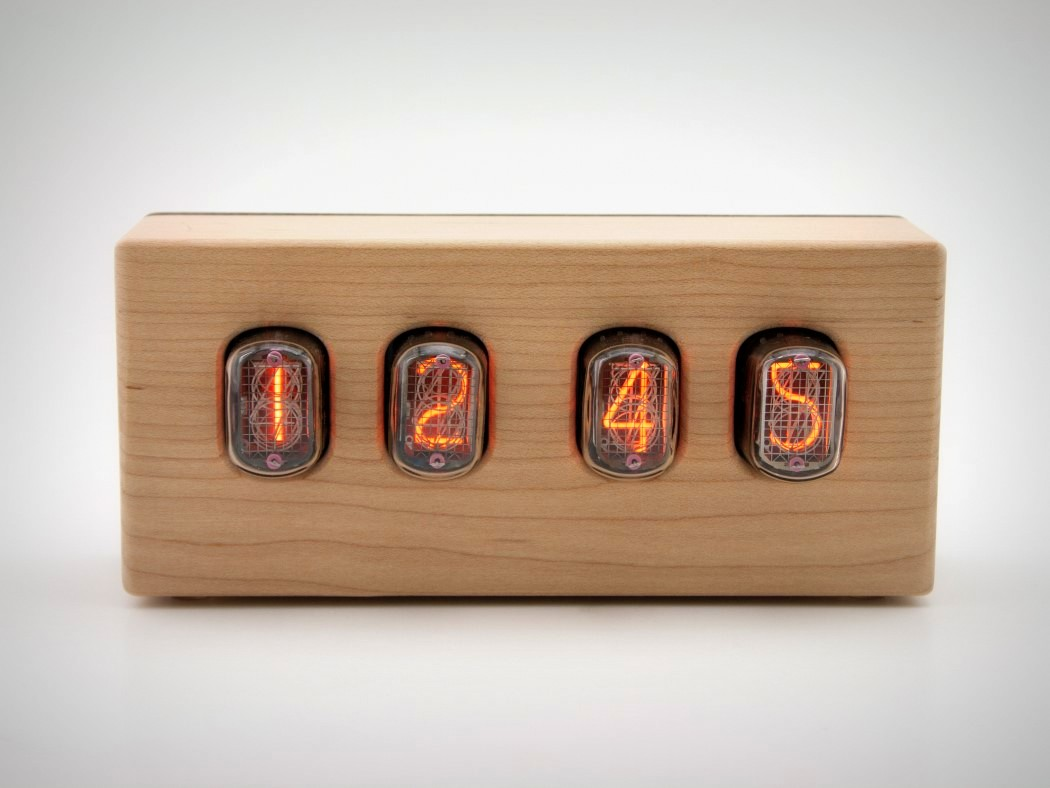 steampunk-nixie-clock-that-requires-little-power-1