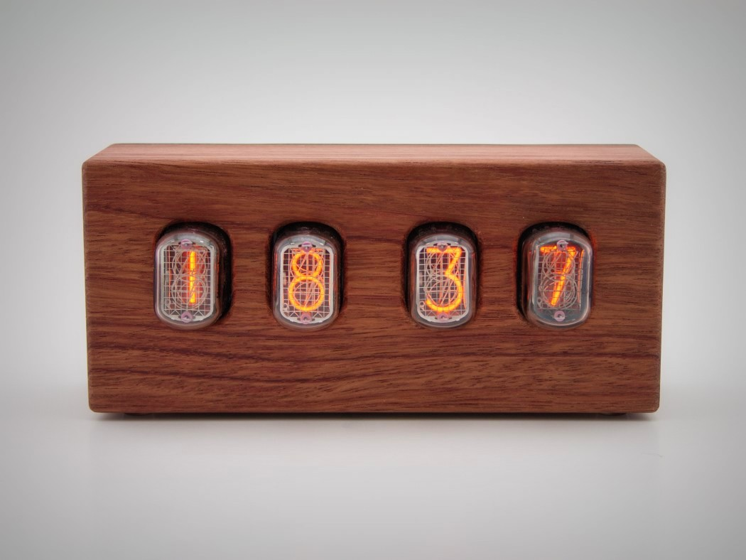 steampunk-nixie-clock-that-requires-little-power-4