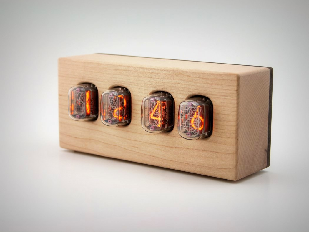 steampunk-nixie-clock-that-requires-little-power-8