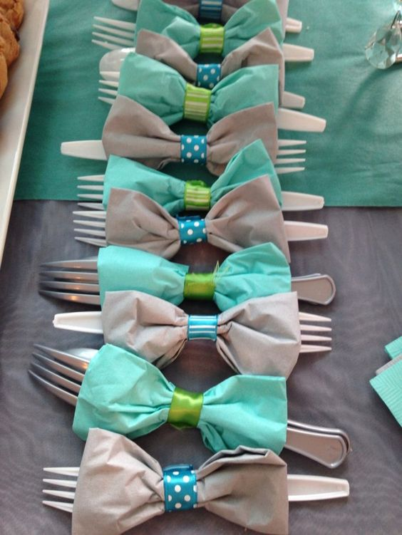 bow-tie-wraps-for-a-boy-baby-shower
