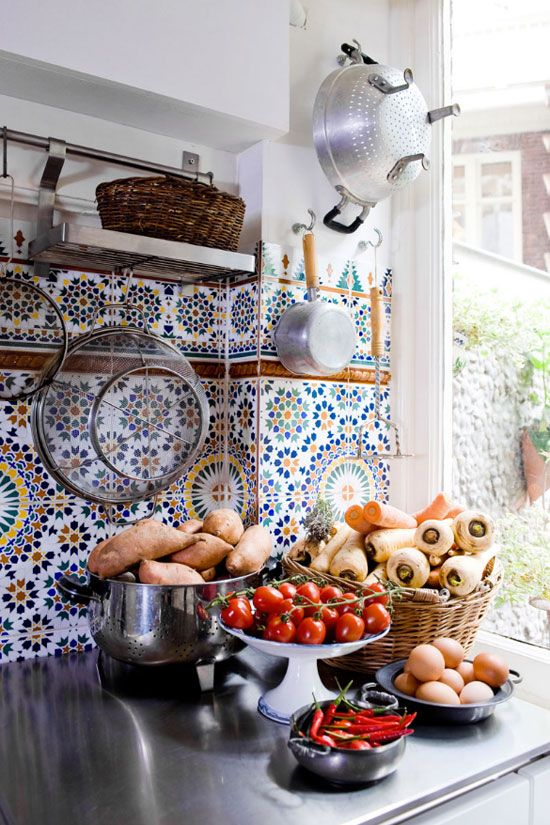 ceramic-tiles-kitchen-backsplashes-that-catch-your-eye-14