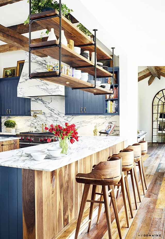 chic-kitchen-design-with-industrial-and-rustic-touches-1
