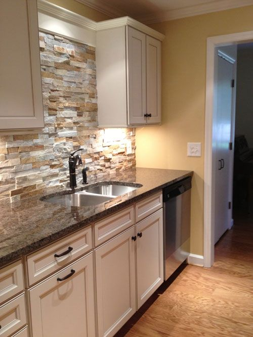 cool-stone-kitchen-backsplashes-that-wow-7