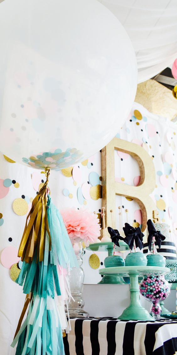 cute-balloon-decor-ideas-for-baby-showers-12