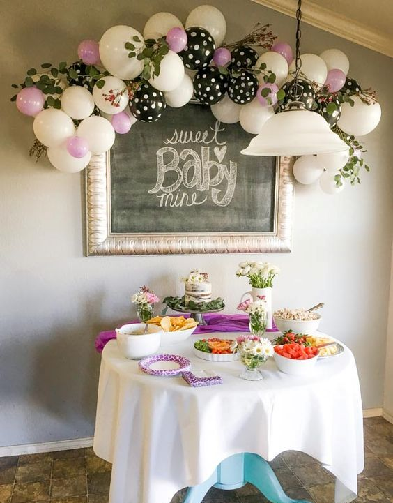 cute-balloon-decor-ideas-for-baby-showers-25