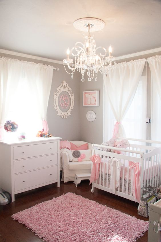 cutest-and-most-chic-girl-nursery-designs-to-get-inspired-3
