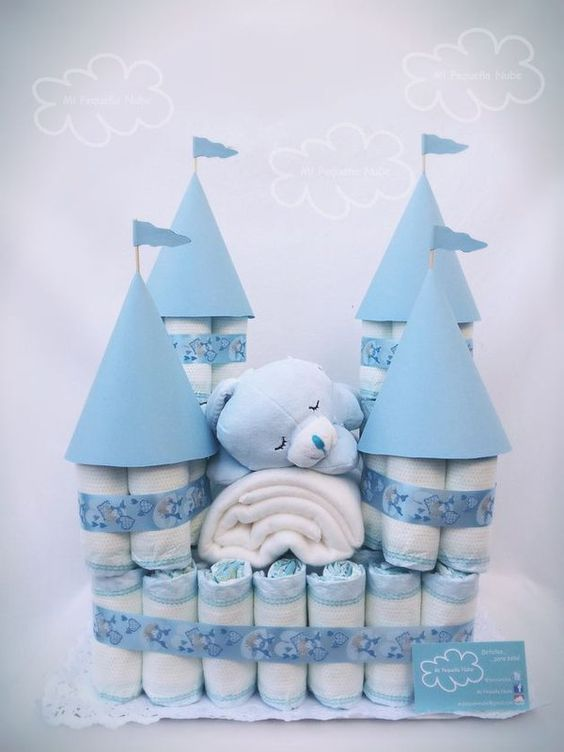 diapers-house-decoration-for-a-boy-baby-shower