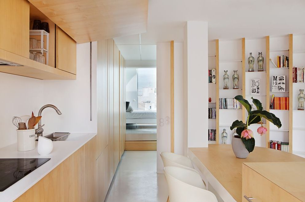 edgy-modern-penthouse-in-white-and-light-colored-wood-2