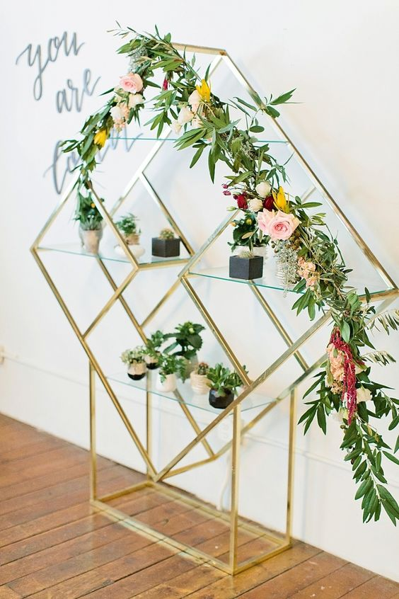 geometric-floral-decoration-for-a-modern-baby-shower