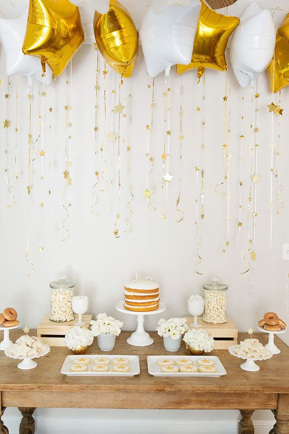 gold-and-white-gender-neutral-baby-shower