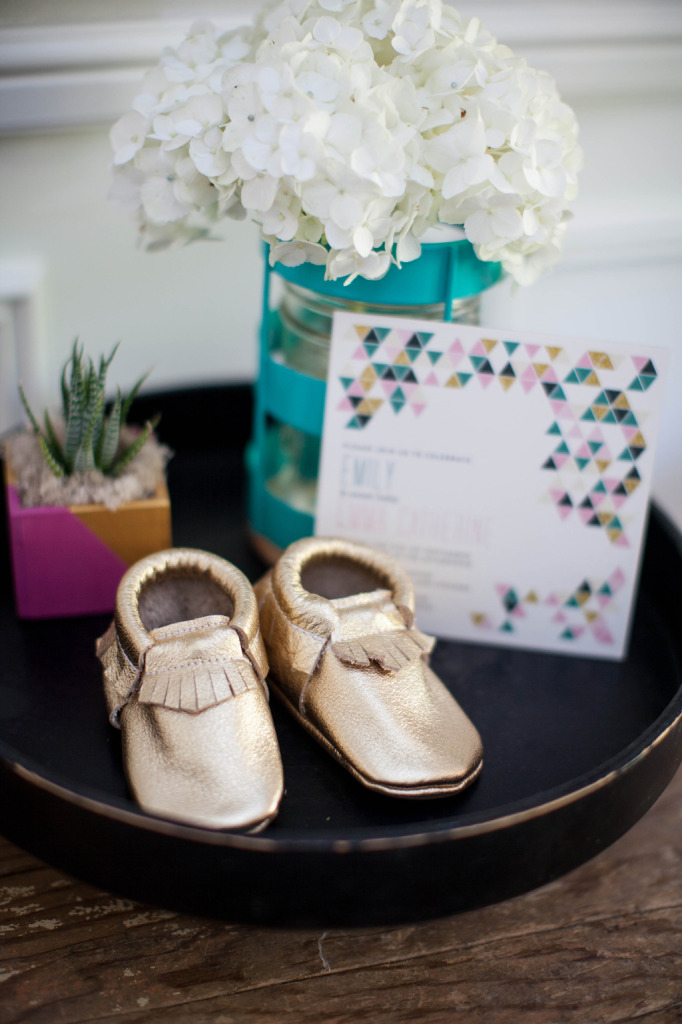 little-booties-decoration-for-a-modern-baby-shower