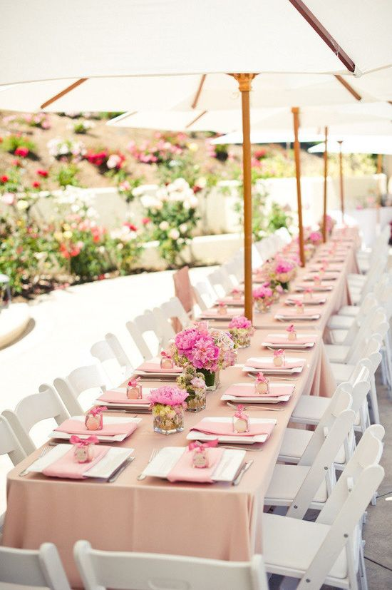 sweetest-baby-shower-table-settings-to-get-inspired-11
