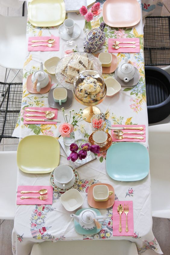 sweetest-baby-shower-table-settings-to-get-inspired-14