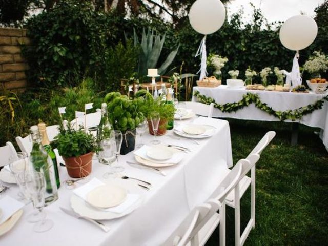 sweetest-baby-shower-table-settings-to-get-inspired-15