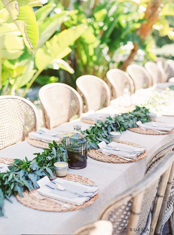 sweetest-baby-shower-table-settings-to-get-inspired-17