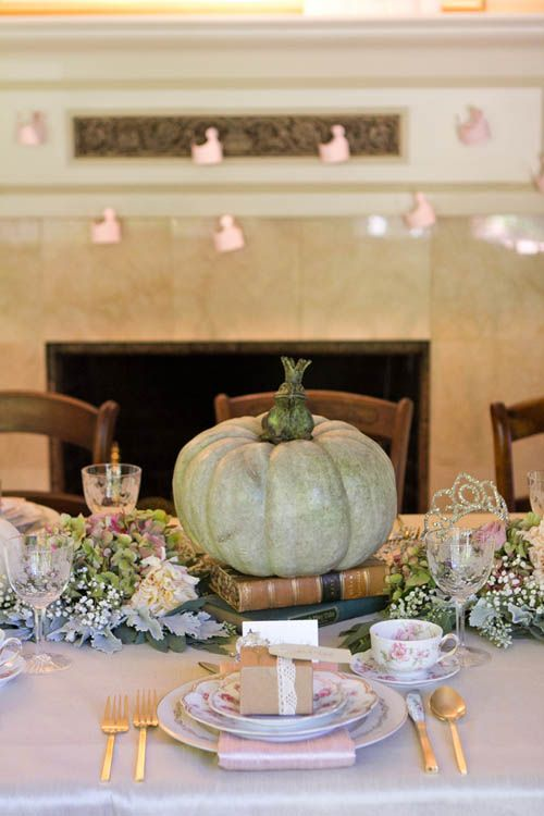 sweetest-baby-shower-table-settings-to-get-inspired-19