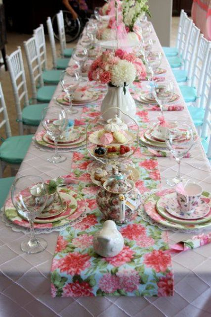 sweetest-baby-shower-table-settings-to-get-inspired-2
