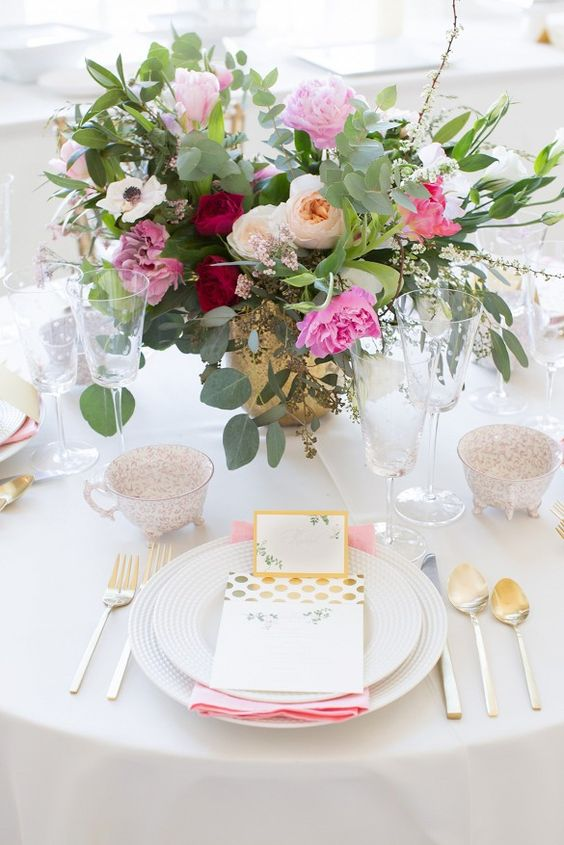 sweetest-baby-shower-table-settings-to-get-inspired-24