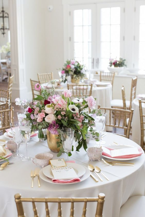 sweetest-baby-shower-table-settings-to-get-inspired-28
