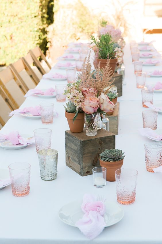 sweetest-baby-shower-table-settings-to-get-inspired-3