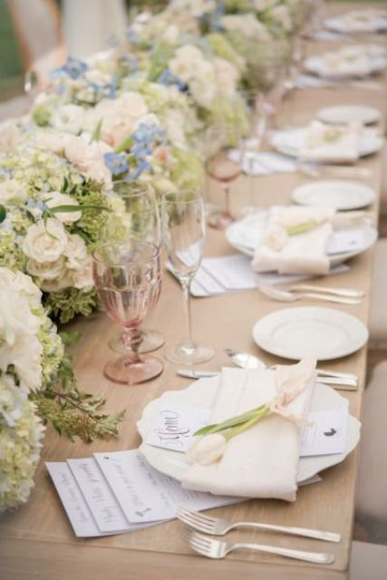 sweetest-baby-shower-table-settings-to-get-inspired-34