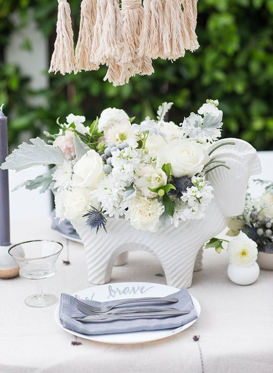 sweetest-baby-shower-table-settings-to-get-inspired-35
