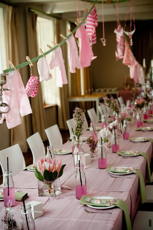 sweetest-baby-shower-table-settings-to-get-inspired-36