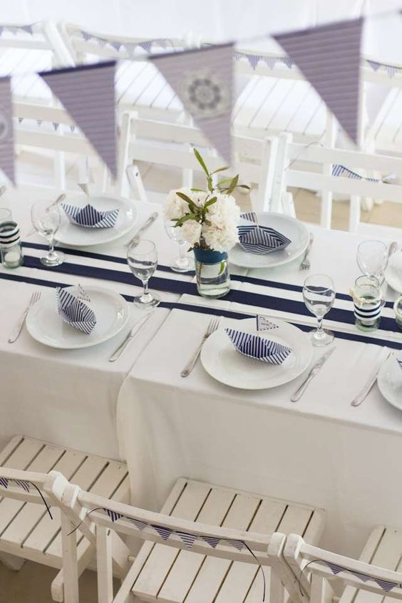 sweetest-baby-shower-table-settings-to-get-inspired-4