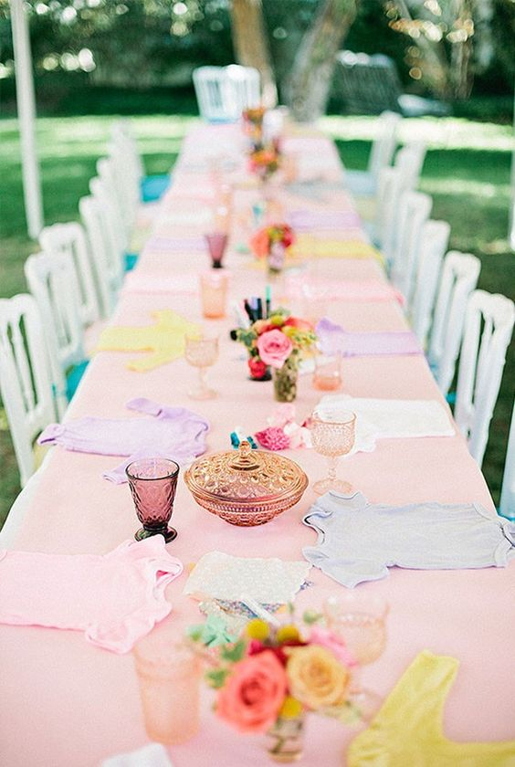 sweetest-baby-shower-table-settings-to-get-inspired-6
