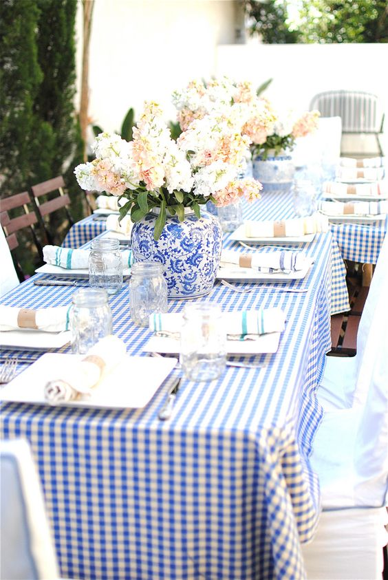 sweetest-baby-shower-table-settings-to-get-inspired-7