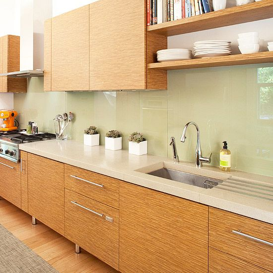 trendy-minimalist-solid-glass-kitchen-backsplashes-23