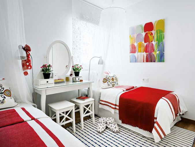 vivacious-malaga-apartment-with-ikea-furniture-and-juicy-accents-19
