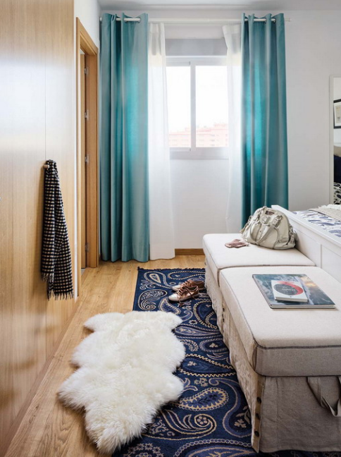 vivacious-malaga-apartment-with-ikea-furniture-and-juicy-accents-25