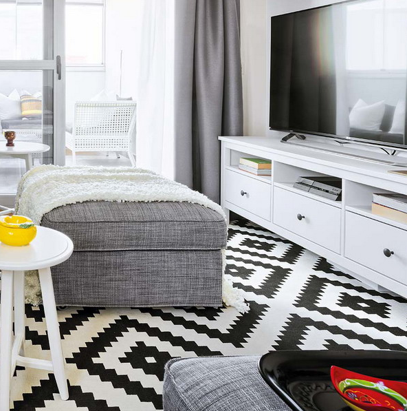 vivacious-malaga-apartment-with-ikea-furniture-and-juicy-accents-7