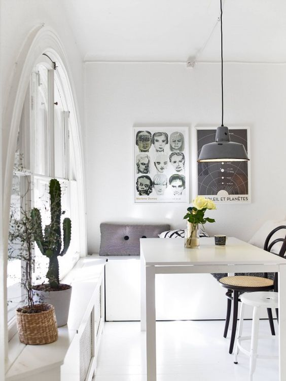 07-modern-dining-area-with-Melltorp-table