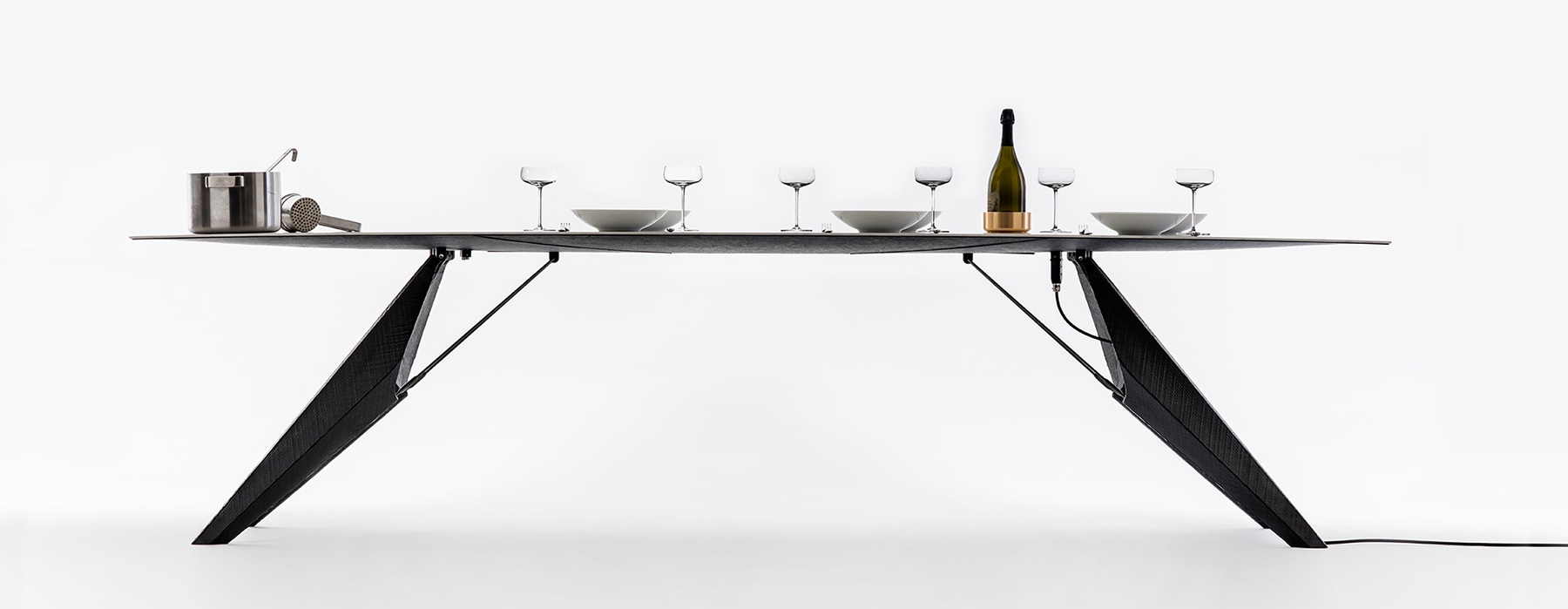 smart-slab-dining-table-for-heating-and-cooling-the-food-1
