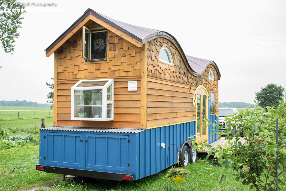 03-The-home-is-portable-and-theres-a-deck-outside