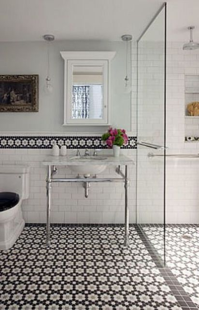 04-bathroom-wall-border-done-with-the-floor-mosaic-tiles