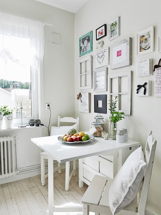 09-white-Norden-Gateleg-table-for-a-vintage-inspired-dining-corner