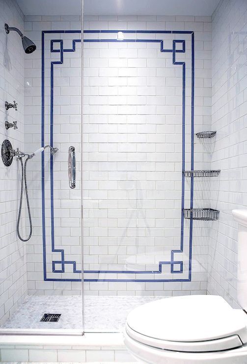 12-blue-Chinoiserie-border-pattern-in-the-bathroom