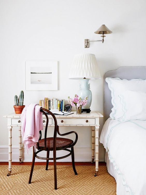 12-eclectic-bedroom-with-a-bamboo-desk-next-to-the-bed