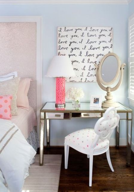 14-glam-bedroom-with-a-gilded-desk-next-to-the-bed