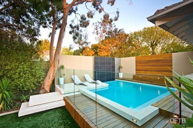 18-modern-thick-glass-pool-fence