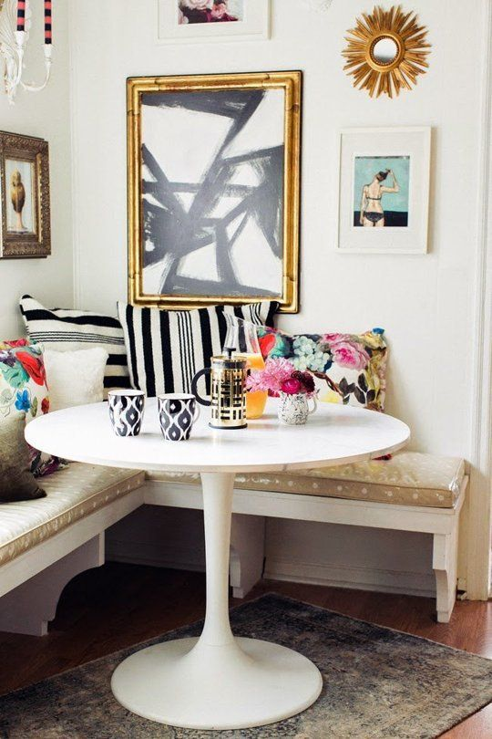 24-colorful-glam-breakfast-nook-with-lots-of-patterns